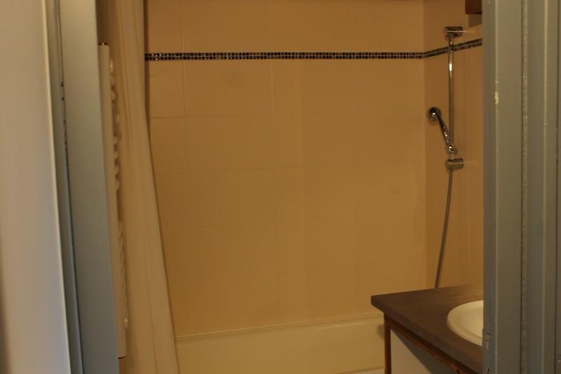 Salle de douche 709
